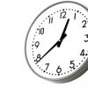 業務用の掛け時計-無料写真素材PAKUTASO ぱくたそ-220154